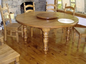 52 Inch Round Table w Large Turn Legs